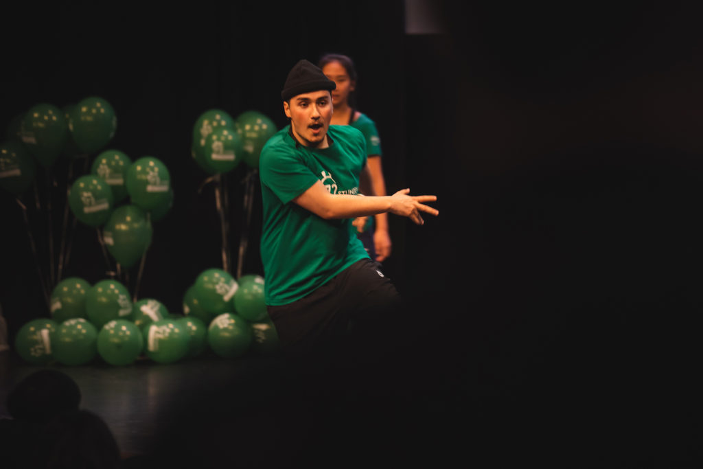 Der Choreograph des 72-Tage-vorher-Flashmobs tanzt ein Solo.